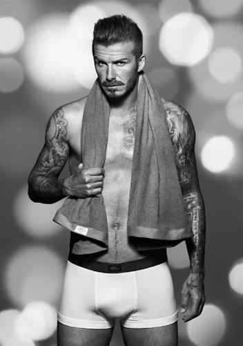 David Beckham nos desea una buena Navidad con su colección de ropa interior para H&M