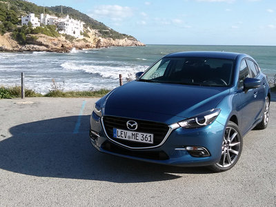 Probamos el Mazda3 2017, un virtuoso compacto que sigue su propio camino