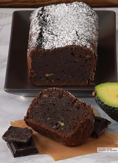 Bizcocho fondant de chocolate y aguacate. Receta sin gluten especial para chocolateros