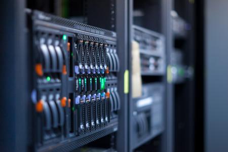 Apple podría estar creando sus propios servidores para no ser interceptados por agentes externos