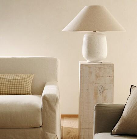 Lámpara con base de cerámica