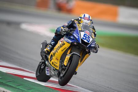 Andrea Locatelli gana en Barcelona y se proclama campeón del mundo de Supersport
