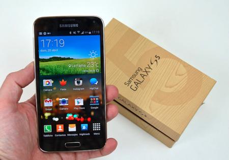 Las ventas y beneficios de Samsung bajan, con el Galaxy S5 presente