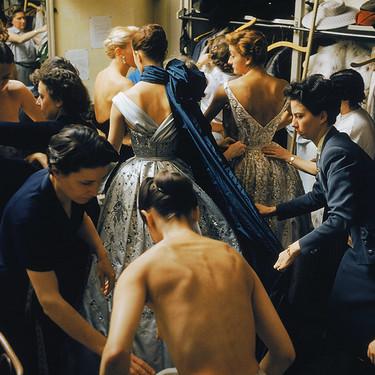 París siempre está de moda: las mejores fotografías de la Alta Costura en una exposición divina