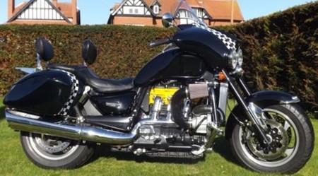 Se vende moto modificada para pagar cocina