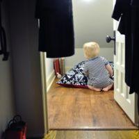 Un escondite secreto para los niños en el armario del hueco bajo escalera