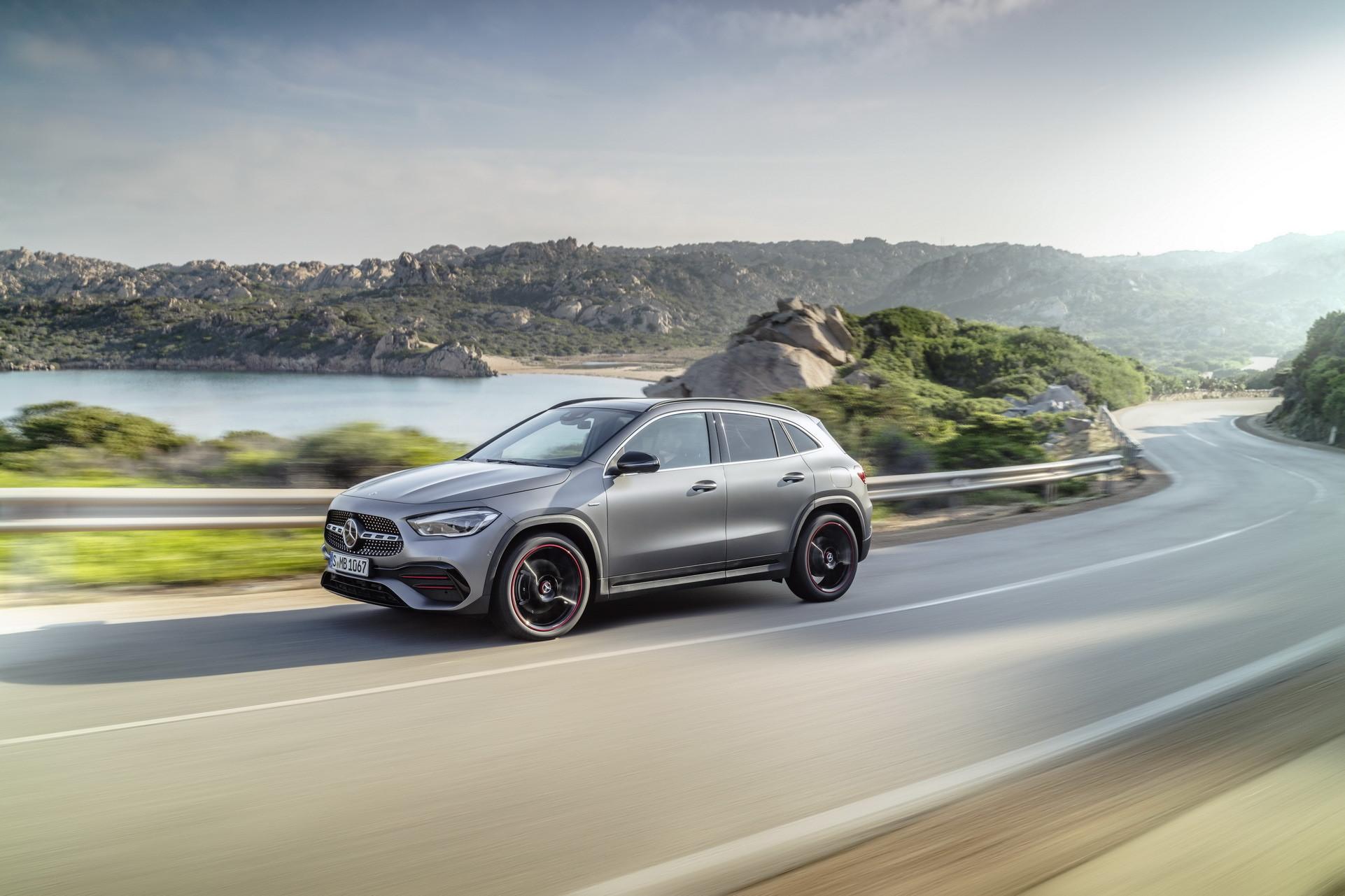 Foto de Mercedes-Benz GLA 2021 (41/103)