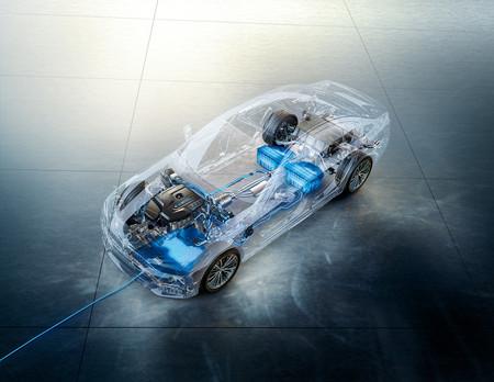 El futuro de las recargas por inducción para coches eléctricos: del sueño de Tesla a la realidad tecnológica de los próximos años