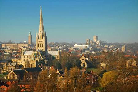 ¿Te atreves a darte un baño de historia visitando 7 ciudades medievales Made in England?