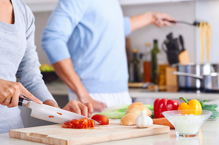 Cinco accesorios de cocina para cocinar de forma más saludable