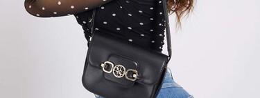 Siete bolsos negros de Guess rebajados hasta un 50%, que podemos llevar todo el año porque combinan con todo