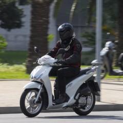 Foto 7 de 19 de la galería honda-scoopy-sh125i-2013-prueba-valoracion-galeria-y-ficha-tecnica-fotos-accion en Motorpasion Moto