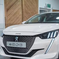 Ya se conoce el precio del Peugeot e-208 en Francia: desde 32.100 euros para este utilitario eléctrico