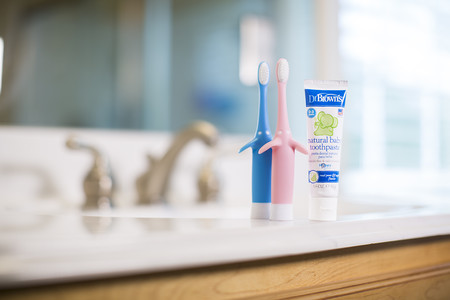Lifestyle Toothbrush Toothpaste 5639