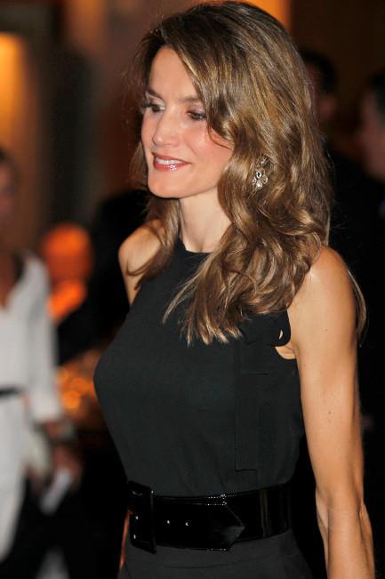 La princesa Letizia se suma a la moda de las pestañas postizas, ¡y deslumbra!