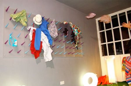pared ropa sucia