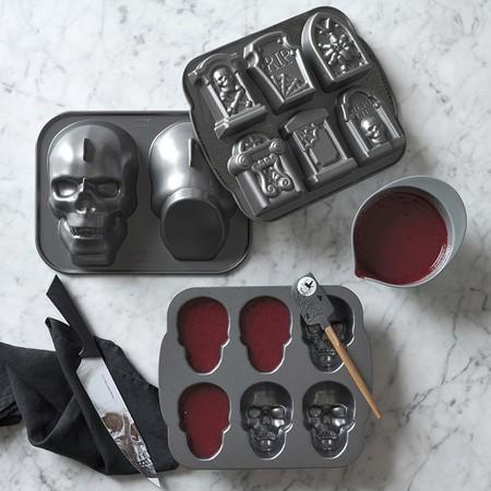 Nordic Ware Halloween Tombstone Cakelet Pan O