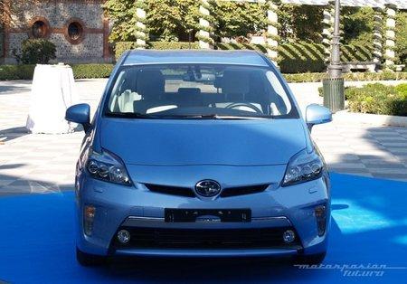 Toyota-Prius-Plug-in-MAD-07