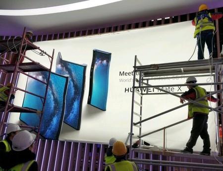 Aquí está la primera imagen del Huawei Mate X, el que será el primer smartphone plegable y con 5G de la compañía