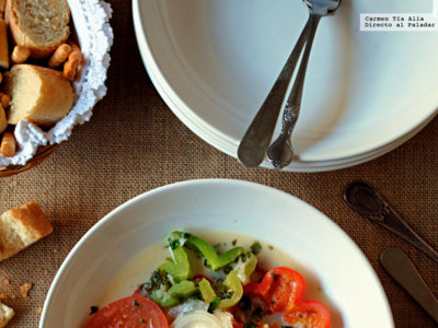 Moqueca de peixe o guiso de pescado. Receta tradicional brasileña