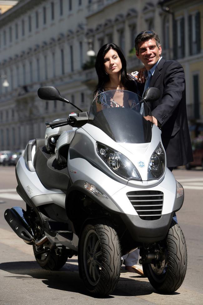 Foto de Piaggio MP3 400 ie (32/36)