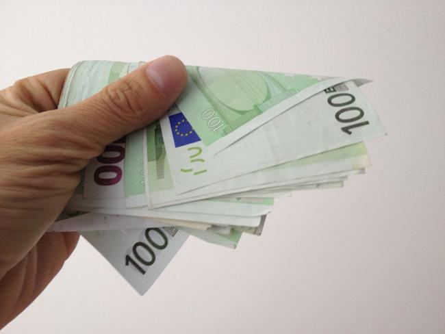Dos mil euros
