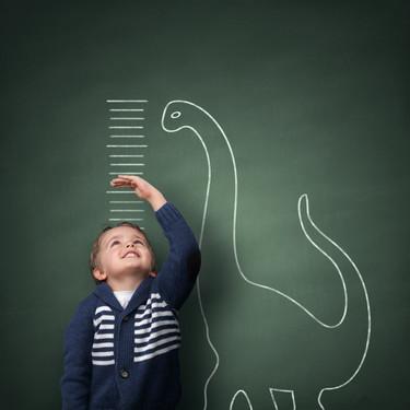 Los niños que toman bebidas vegetales son más bajitos que los que beben leche de vaca, según un estudio