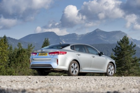 Kia Optima Hibrido Enchufable 2