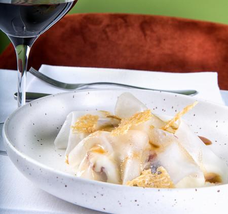 Platos Noi Raviolone Con Carne Estofada Y Patata A La Mantequilla