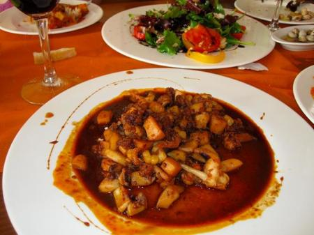 Gastronomía de Mallorca: sepia con sobrasada