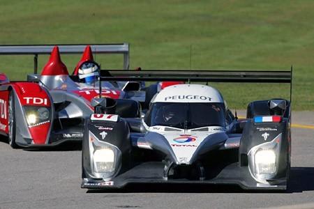 Peugeot no gana ni con dos vueltas de ventaja