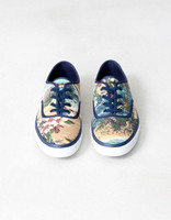 La primavera empieza por tus pies (II): las flores de Pull & Bear