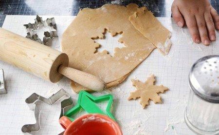 Hoy vamos a hacer galletas de mantequilla con la ayuda de los niños