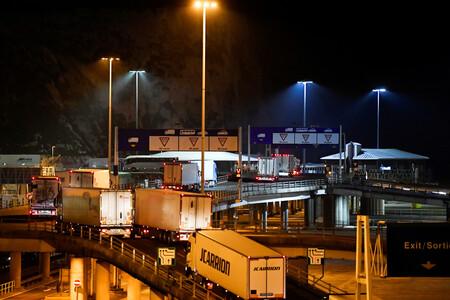 Caos, parálisis, camiones vacíos: las exportaciones de Reino Unido se hunden un 68% tras el Brexit