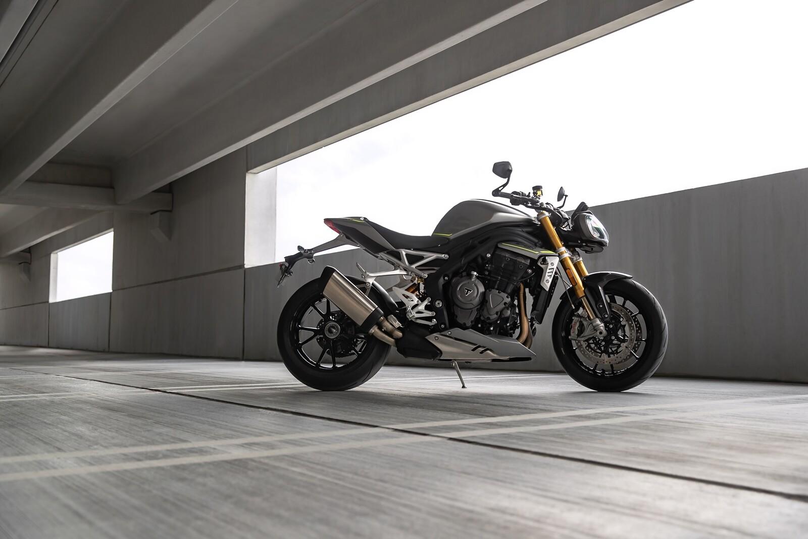 Foto de Triumph Speed Triple 1200 RS 2021 (48/71)