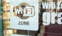 ¿Debo inscribirme como operadora si quiero dar WiFi gratis en una comunidad de vecinos, un bar, hotel, tienda o restaurante?