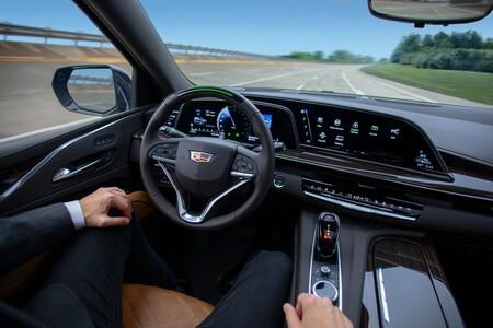 Ultra Cruise: el sistema de asistencia al conductor  de GM que promete verdadera conducción de manos libres en cualquier situación
