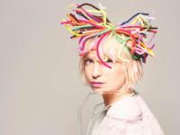 Sia quiere salir de la sombra de otros, y 'Chandelier' es un buen argumento