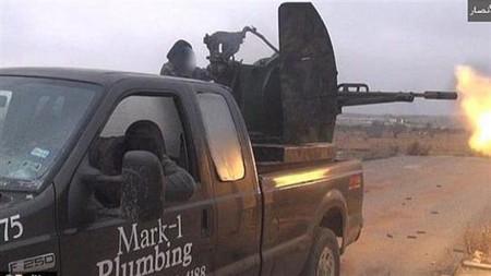 Vendes tu pick-up a un concesionario y termina como batería antiaérea en Siria