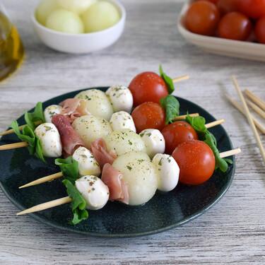 Ocho recetas frescas con fruta y queso para un picoteo del finde veraniego