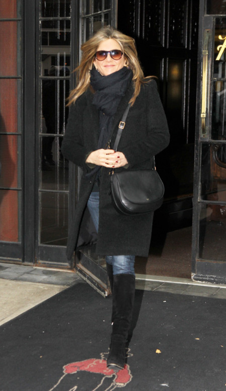 Jennifer Aniston Street style Look