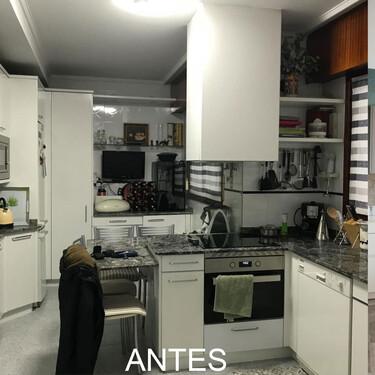 El Antes y Después de una cocina en Bilbao que además de estilo ha ganado un cómodo y práctico office