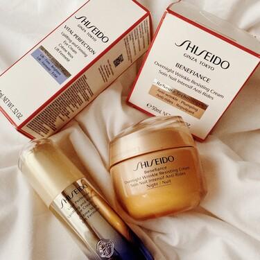 Con la nueva crema de noche y el contorno de ojos de Shiseido, que ya hemos probado, es como si nuestra piel recuperase las horas de sueño perdidas