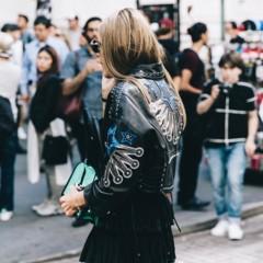 Foto 3 de 10 de la galería chaqueta-con-espalda-escrita en Trendencias