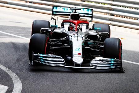 Pole position de récord para Lewis Hamilton en Mónaco y Ferrari traiciona a Charles Leclerc