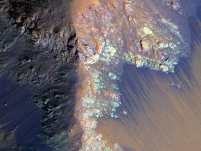 Se descubre cómo fluía el agua en Marte