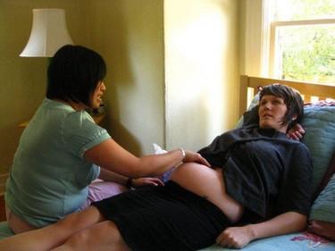 Por la opción de tener un parto domiciliario amparado por la Seguridad Social española