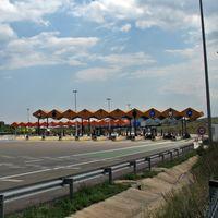 El fin de los peajes en las autopistas AP-7 y AP-4 se salda con el despido de 137 trabajadores