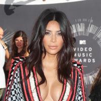 Kim Kardashian Escote