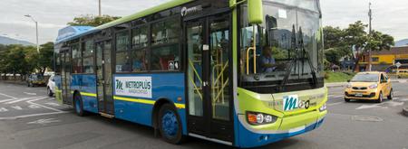 Todos los buses del sistema Metroplús de Medellín serán eléctricos para el 2030